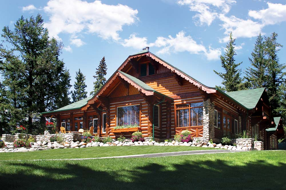 7 comfy mountain cabins for roughing it in style avenue calgary rh avenuecalgary com cabins for rent banff national park