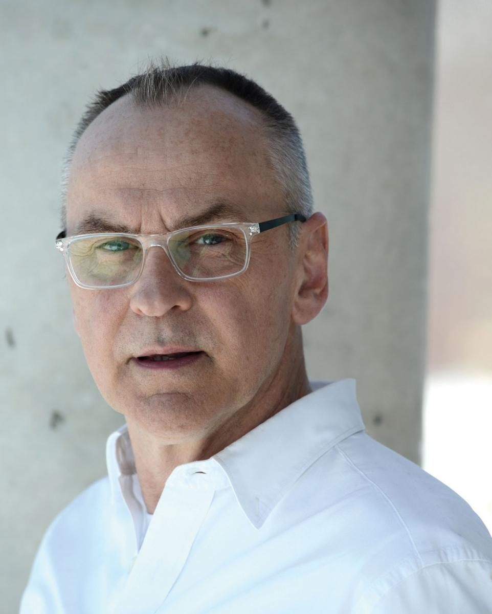 Daniel MacIvor.
