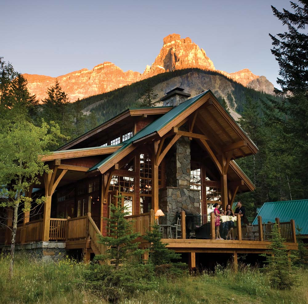 7 comfy mountain cabins for roughing it in style avenue calgary rh avenuecalgary com  rental cabins banff national park
