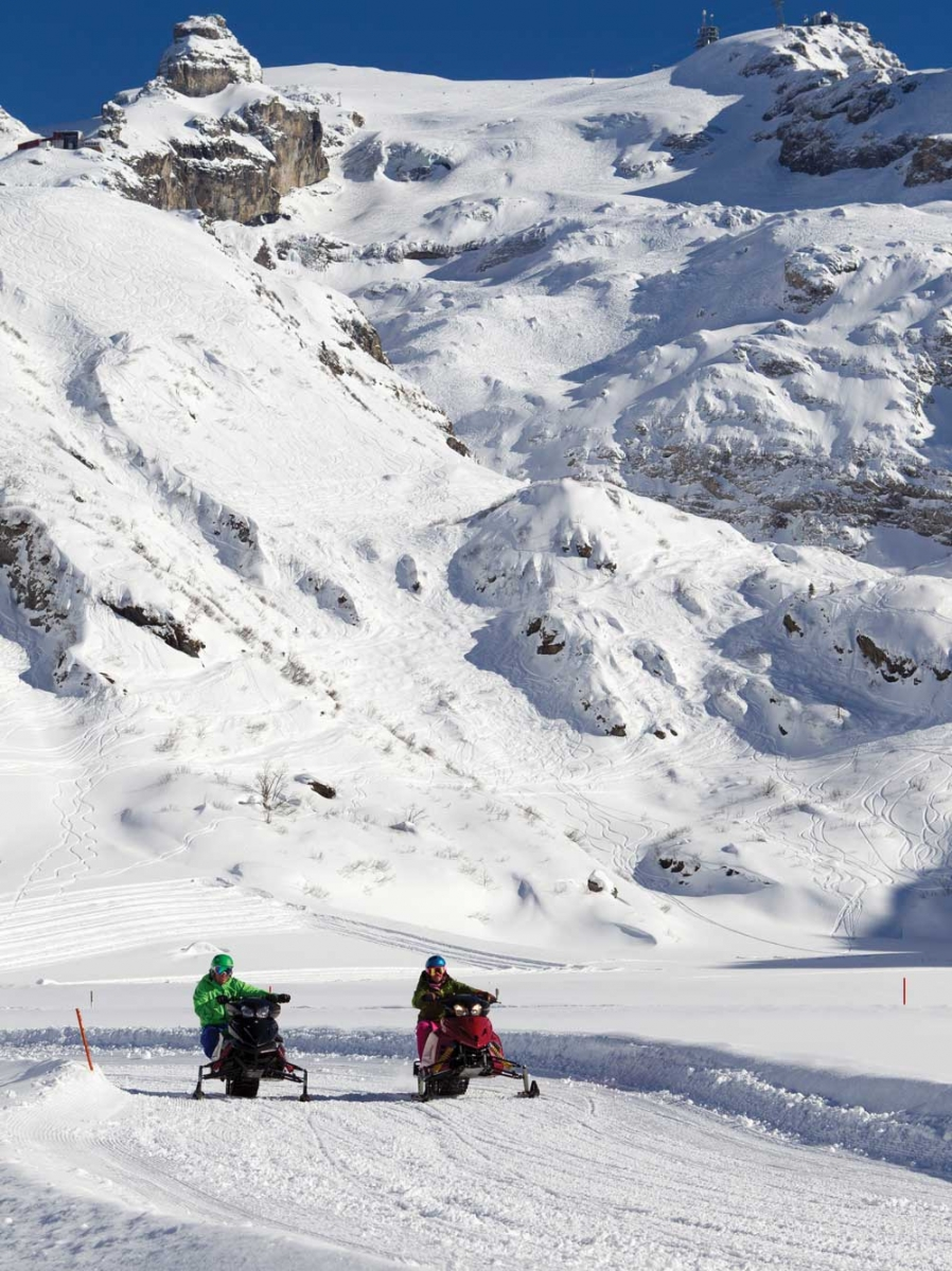 Electric snowmobiles at Titlis.